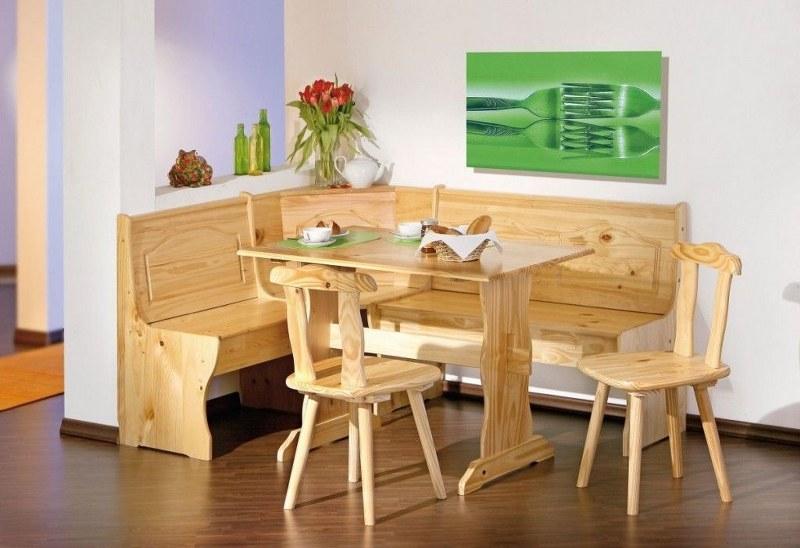 Tavolo-cucina-con-due-sedie-e-panca-angolare-legno-massello-stile-tirolese_800x548